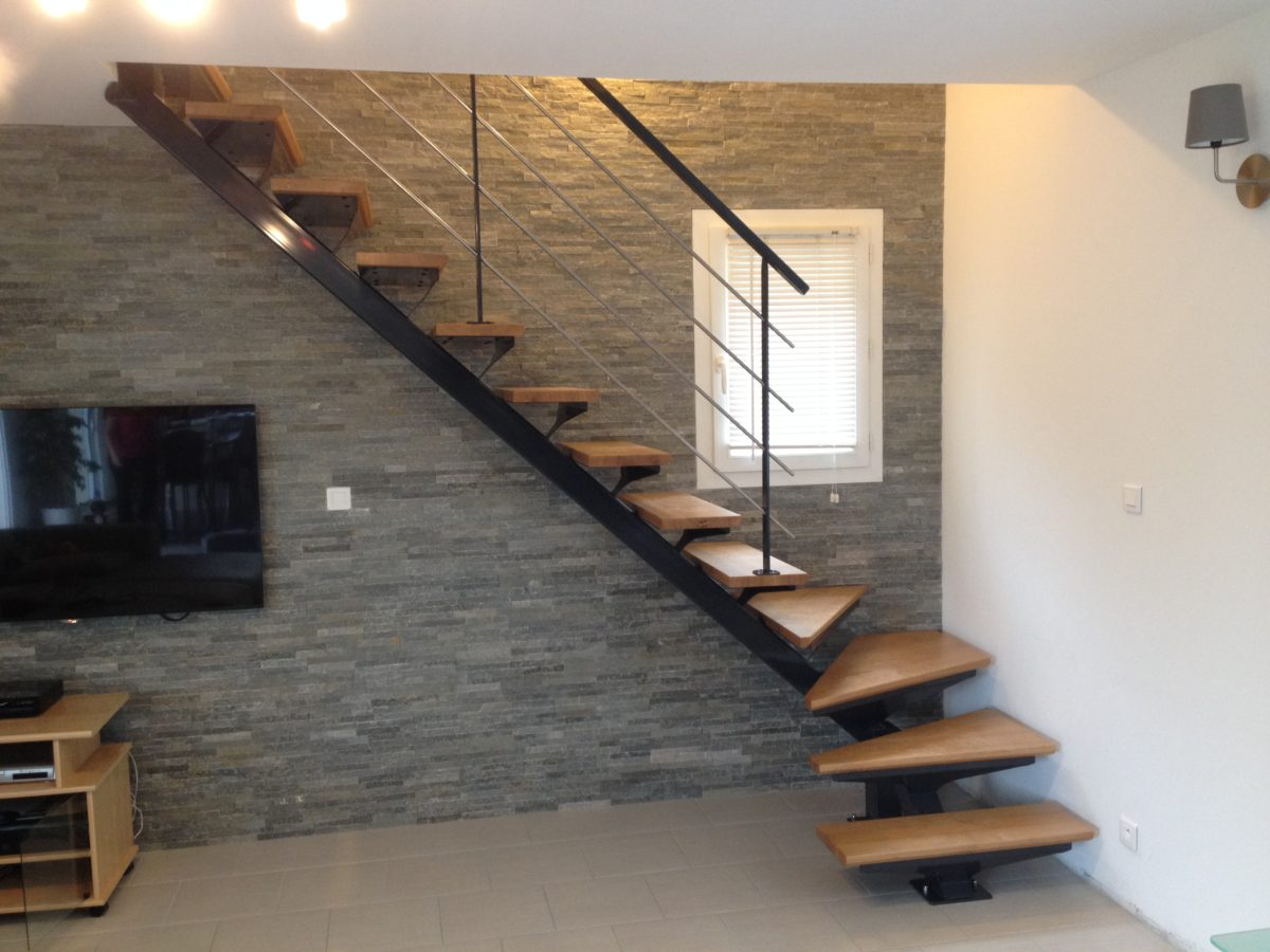 escalier bois avec palier cool escalier en colimacon avec palier with escalier bois avec palier. Black Bedroom Furniture Sets. Home Design Ideas